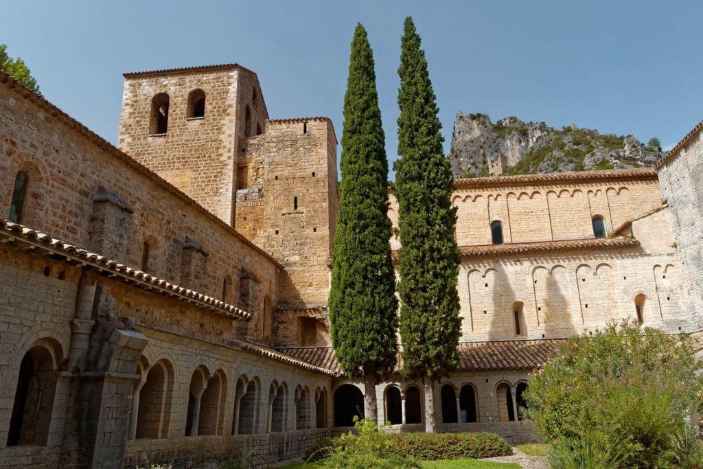 Saint Guilhem le Désert, dans l'Hérault, en canoë