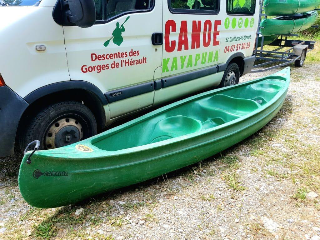 Le canoe Canadia est notre modèle 4 places chez Kayapuna